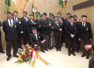 La Sección de Lérida con su nuevo y flamante banderín